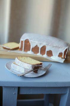 Sitronformkake_3 Baking Parchment, Frisk, Powdered Sugar, Melted Butter, Vanilla Cake, Food And Drink, Desserts, Den, Tailgate Desserts