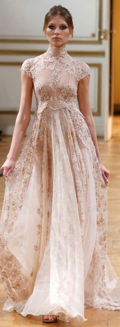 Front of Zuhair Murad Haute Couture Fall 2013 Look at the back in the next pin. This dress needs to be in white. Couture Mode, Couture Fashion, Runway Fashion, Paris Fashion, Fashion Fashion, Fashion Beauty, Beautiful Gowns, Beautiful Outfits, Davids Bridal Bridesmaid Dresses