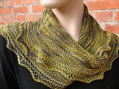 A warm and cozy moebius cowl with an easy dropped stitch pattern to show off the beauty of variegated yarn. The pattern creates a rather solid fabric, which is easy to transform into a more lacy style. Ideas for variations are given on page 4 of the pattern.