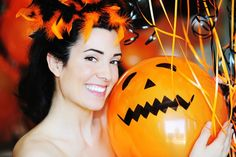 43 Free Halloween Party Games for Adults: Halloween Battle of the Balloons