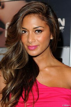 Nicole Scherzinger and her amazing hair with hair highlights! Description from pinterest.com. I searched for this on bing.com/images