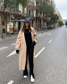 Outfits With Hats, Mode Outfits, Winter Outfits, Casual Outfits, Fashion Outfits, Womens Fashion, Postpartum Fashion, Types Of Fashion Styles, Urban Fashion