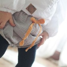 Bloomers  Wer uns so heute im Ikea erkennt gewinnt einen #Hotdogmiterfrischungsgetränk . #nähen #Sewing #nähenfürjungs #sewingforboys #bloomers #marthastewartcrafts #musselin #nähenmachtglücklich #kidsootd #ootd #kidsfahion #kidsfashionistamodel #mamablogger #instakids
