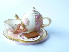 Today I've made this tea set. The teapot is a...
