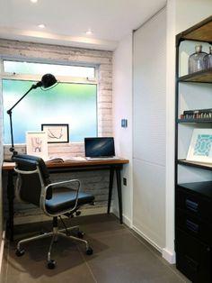 Un bureau industriel et vintage