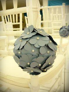 bolas de flores de papel