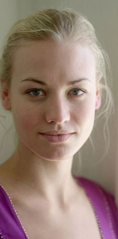 Yvonne Strahovski without makeup