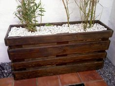 The simplest thing you can do to utilize a recycle pallet wood is to make a pallet planter. It is simple and easy to build.