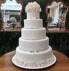 Cupcakes Decoration Blue White Weddings 34 Ideas For 2019 Wedding Cake Prices, Black Wedding Cakes, Fall Wedding Cakes, Elegant Wedding Cakes, Beautiful Wedding Cakes, Wedding Cake Designs, Beautiful Cakes, Wedding Ideas, Blue White Weddings