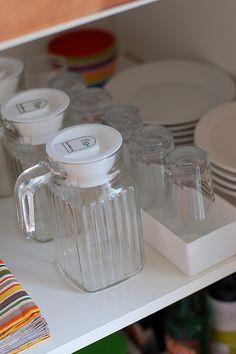 Montessori kitchen table setting shelf  http://thefreechild.blogspot.com/search/label/Spaces%20-%20Kitchen