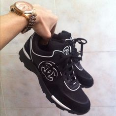 chanel sneaks! I want these!!!