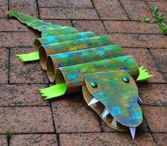 Community Art Crocodile Project for Story Time Groups Vbs Crafts, Paper Crafts For Kids, Preschool Crafts, Projects For Kids, Arts And Crafts, Art Projects, Preschool Jungle, Art Project For Kids, Older Kids Crafts