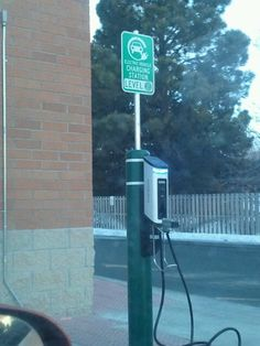 Electric car charging station Electric Station, Car Charging Stations, Futuristic Architecture, Transportation Design, Future Car, Electric Cars, Concept Cars, Plates, Licence Plates