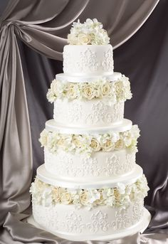 Edible lace decorated cake from the Little Venice Cake Company! Shop the LVCC range now at C+C: http://www.createandcraft.tv/search/little%20venice%20cake%20company?fh_location=//createandcraft/en_GB/$s=little\u0020venice\u0020cake\u0020company/brand_cc@gt;{little20venice20cake20company} #cakedecorating