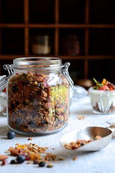 Everyday nut and honey granola #honeygranola, #healthy #breakfastrecipes, Bibbyskitchen,