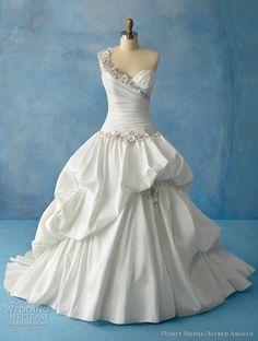 Disney Fairy Tale Wedding Tiana Dress from Alfred Angelo Bridal. Saved to Pretty Wedding Things. Disney Wedding Gowns, Princess Wedding Dresses, Wedding Dress Styles, Dream Wedding Dresses, Gown Wedding, Disney Weddings, Princess Gowns, Cinderella Wedding, Princess Bridal