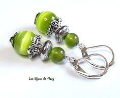 Boucles d'oreilles perles verre vert olive supports dormeuses argentés : Boucles d'oreille par lesbijouxdemary