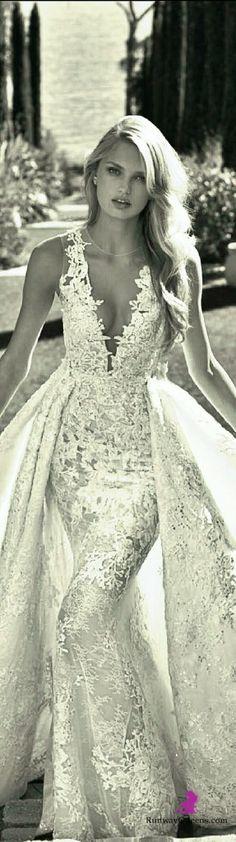 Pronovias-Nov-Dec-2016-Bridal-2016-White-lace.jpg