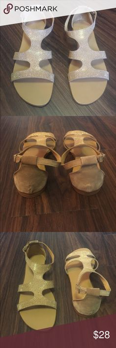 Sandals ☀️☀️ Super cute taupey / camel colored sandals . Only worn once! Mila Paoli Shoes Sandals
