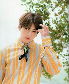 Find images and videos about kpop, bts and jungkook on We Heart It - the app to get lost in what you love. Jimin 95, Jungkook Jeon, Kookie Bts, Maknae Of Bts, Jungkook Cute, Yoongi, Foto Jungkook, Taehyung, Jungkook Fanart