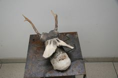 Poppets Hierschkäfer-Interpretation mit echten Krickeln (Rehbock) Clay, Pottery, Ceramics, Objects, Sculptures, Ceramica, Ceramica, Pottery Marks, Ceramic Art