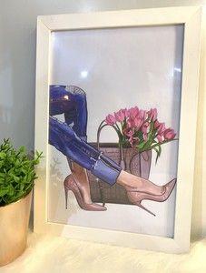 Ateliê Laço Rosa Manicure Diy, Dressing Table Decor, Pink Chest Of Drawers, Bedroom Dresser Decorating, Black Molding, White Frames, Flowers, Diy Manicure, Atelier