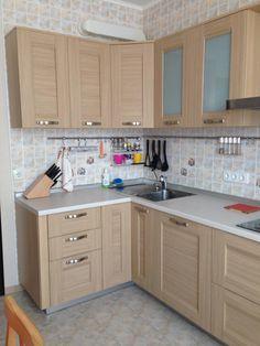 Кухонный гарнитур, современная удобная кухня