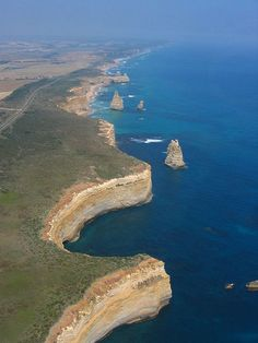 Great Ocean Road - is stunning. Incredible sheer drop right down into the ocean. True North, Homeland, Road Trips, Google Images, New Zealand, The Good Place, Places To Go, Tourism, Favorite Things