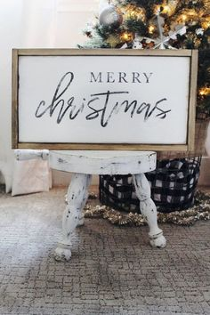 Reclaimed wood sign of merry Christmas.Reclaimed wood sign of merry Christmas.Reclaimed wood sign of merry Christmas. Christmas Signs Wood, Holiday Signs, Noel Christmas, Rustic Christmas, Christmas Projects, Winter Christmas, All Things Christmas, Holiday Crafts, Holiday Fun
