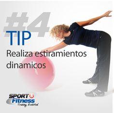 Recuerda que el hacer estiramientos con los músculos fríos puede ser causa de dolores. Así que incorpora algunos movimientos antes de comenzar a trabajar.