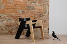 Elegant Self-Assembly IO Chair Designed for Introspection and Daydreaming - http://www.interiordesign2014.com/interior-design-ideas/elegant-self-assembly-io-chair-designed-for-introspection-and-daydreaming/