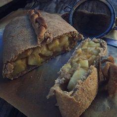 Diétás süteményt receptet keresel? Akkor ez a cukormentes almás rétes receptet Neked hoztuk. Mennyei! Kattints a receptért! Bread, Fitness, Food, Brot, Essen, Baking, Meals, Breads, Buns