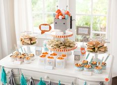 robot-baby-shower-food-table