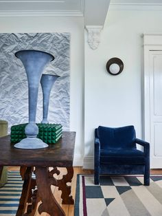 Sydney based interior designer, Tamsin Johnson, has a distinctive way of mixing interior styling with unique furniture pieces. See more on est living. Unique Furniture, Vintage Furniture, Furniture Design, Interior Styling, Interior Design, Contemporary Interior, Ark, Interior Inspiration, Interior Ideas