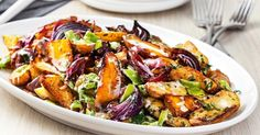 Caramelised onion and roasted potato salad. Make a classic barbecue side with this creamy roast potato salad, tossed with… Roasted Potato Salads, Creamy Potato Salad, Roasted Potatoes, Best Slow Cooker, Slow Cooker Recipes, Cooking Recipes, Vegetarian Recipes, Vegetarian Nachos, Vegetable Recipes