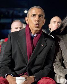 The Obamas light the National Christmas Tree in star-studded ceremony - UPI.com