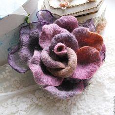 """Купить Дизайнерская брошь роза """"Черничная сказка"""" - фиолетовый, брошь, дизайнерская брошь, броши винтажные"""