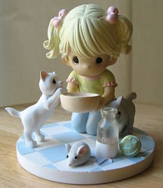 Precious Moments MY HEART IS COVERED IN PAWPRINTS Cats Kittens Figurine