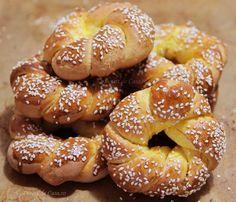 Covrigi dulci - Desert De Casa - Maria Popa Bread Recipes, Cake Recipes, Dessert Recipes, Cooking Recipes, Desserts, Good Food, Yummy Food, Tasty, English Sweets