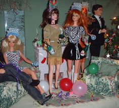 Lisa's Barbies having a New Year's party (Barbie diorama).