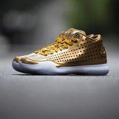 SHOP  Nike Kobe 10 EXT Mid