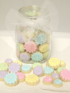 Pretty little pastel button cookies. Button Cookies, Mini Cookies, Fancy Cookies, Iced Cookies, Cute Cookies, Royal Icing Cookies, Cupcake Cookies, Sugar Cookies, Frosted Cookies