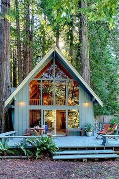 What is the Tiny House Movement? Best Tiny House Rentals, 2020 - - What is the tiny house movement? Learn about tiny house living and check out the best tiny house rentals for Living big in a tiny house ain't bad! Future House, Haus Am See, Magical Home, Cabin In The Woods, Cabin With Loft, A Frame House, A Frame Cabin, House Wall, House Floor