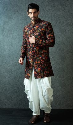 The wedding kurta designs for groom are also given embroidery designs which makes it compulsory to be made in velvet, cotton or cotton silk material. Wedding Dress For Boys, Men Wedding Attire Guest, Sherwani For Men Wedding, Wedding Dresses Men Indian, Indian Fashion Dresses, Indian Men Fashion, Men's Wedding Wear, India Fashion Men, Groom Fashion