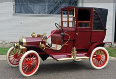 1909 Ford Model T Town Car....the chauffeur had it rough....