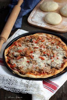 pizza-crocanta Pizza, Food Cakes, Sardinia, Pesto, Quiche, Salmon, Cake Recipes, Food And Drink, Yummy Food