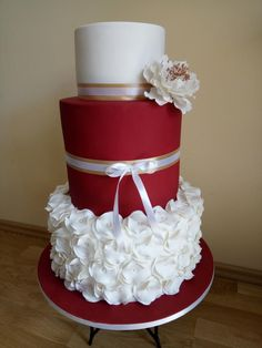 New birthday cake elegant red ideas Unusual Wedding Cakes, White Wedding Cakes, Elegant Wedding Cakes, Cool Wedding Cakes, Elegant Cakes, Beautiful Wedding Cakes, Gorgeous Cakes, Wedding Cake Designs, Pretty Cakes