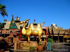 Adventureland is empty during Magic Kingdom Early Morning Extra Magic Hour. Lovethis WDW Resort Perk.