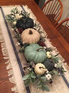 Diy Thanksgiving Centerpieces, Fall Table Centerpieces, Decoration Table, Thanksgiving Tablescapes, Thanksgiving Ideas, Autumn Decorating, Decorating For Thanksgiving, Deco Table, Fall Home Decor