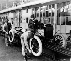 1924 ~ One millionth Ford Model 'T' at Highland Park Assembly